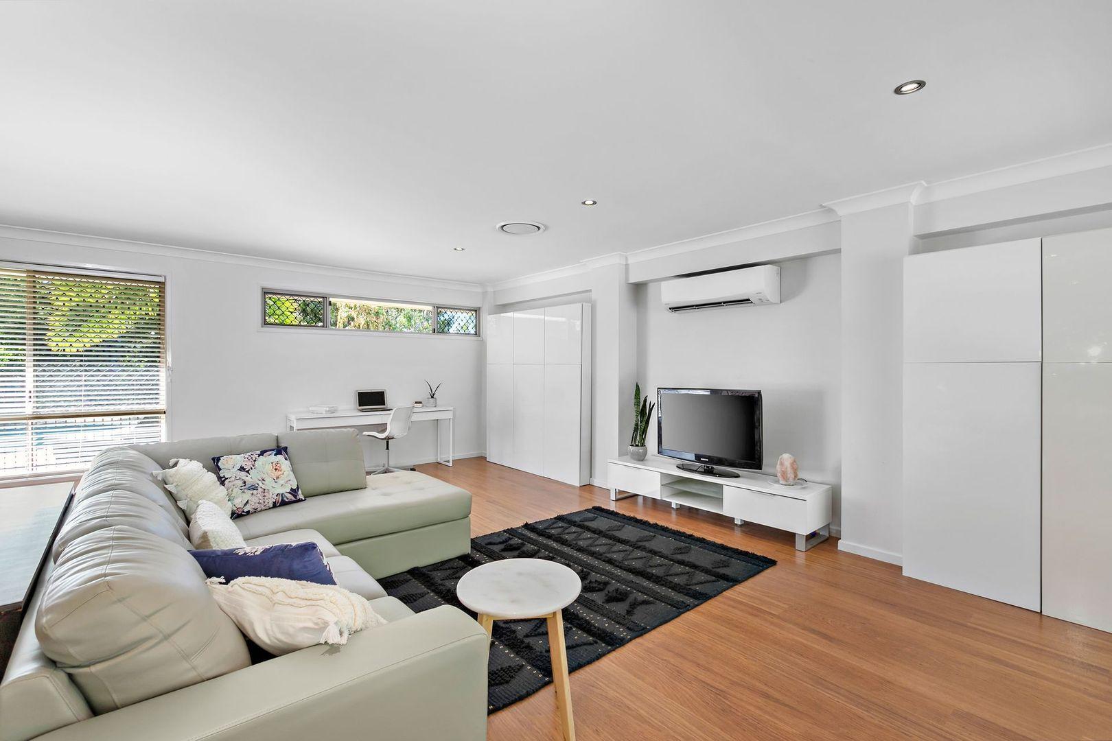 5 Hilltop Crescent, Alexandra Hills QLD 4161, Image 2