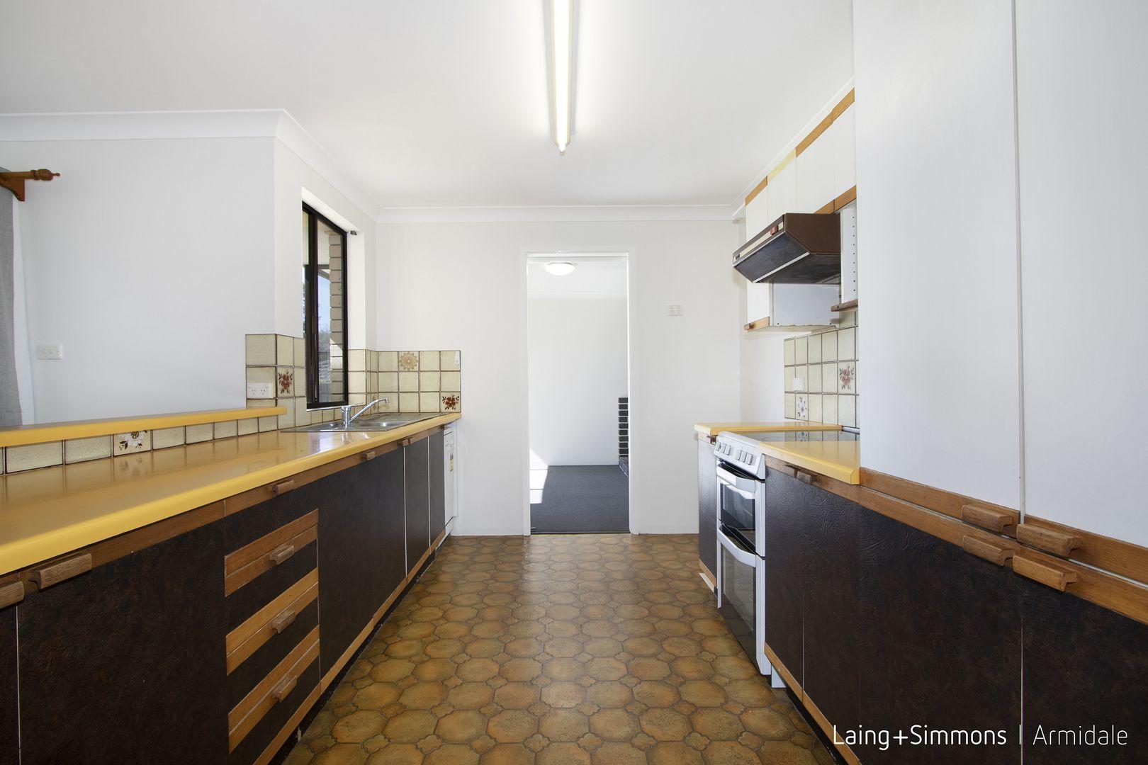 7 Simpson  Avenue, Armidale NSW 2350, Image 1