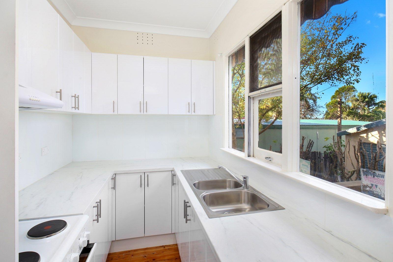 18 Main Street, Killarney Vale NSW 2261, Image 1