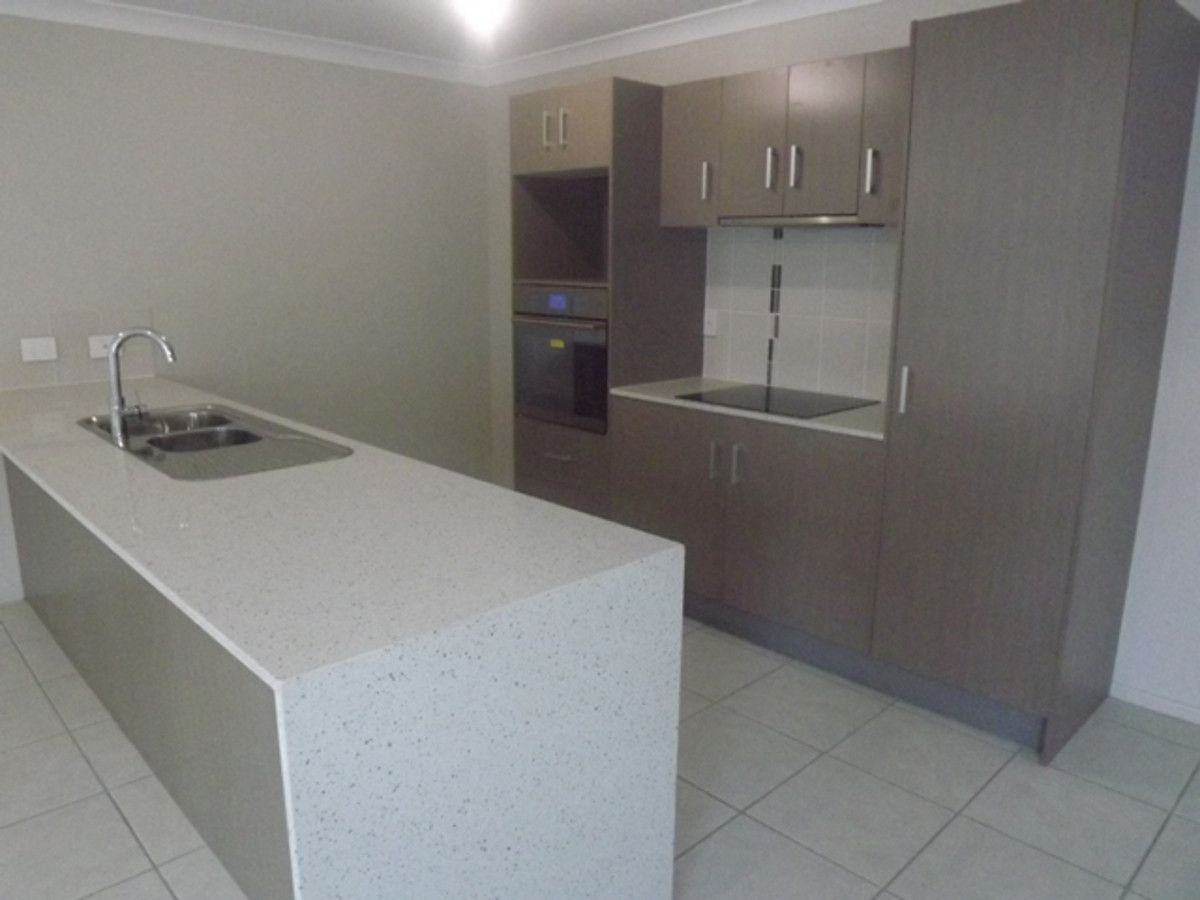 2/43 Coonan Street, Harlaxton QLD 4350, Image 2