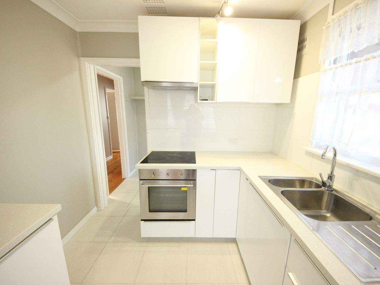 8 Palmyra Avenue, Lethbridge Park NSW 2770, Image 2