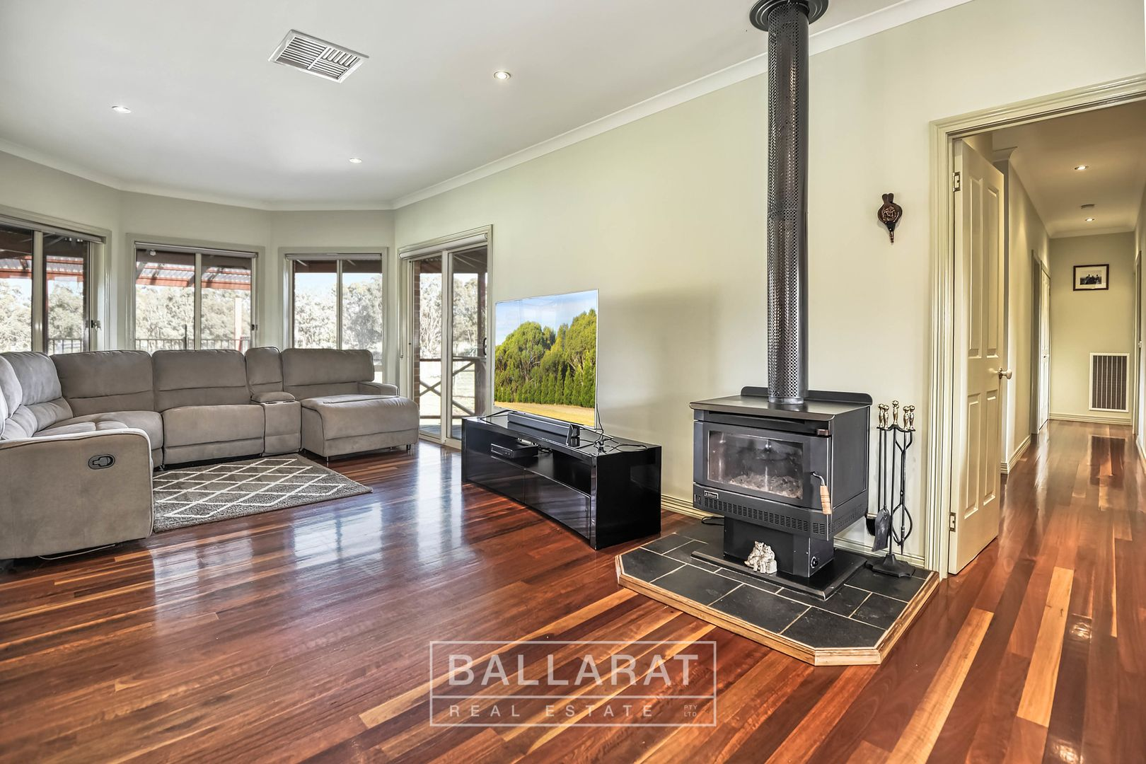 16 George Cook Drive South, Daisy Hill VIC 3465, Image 1