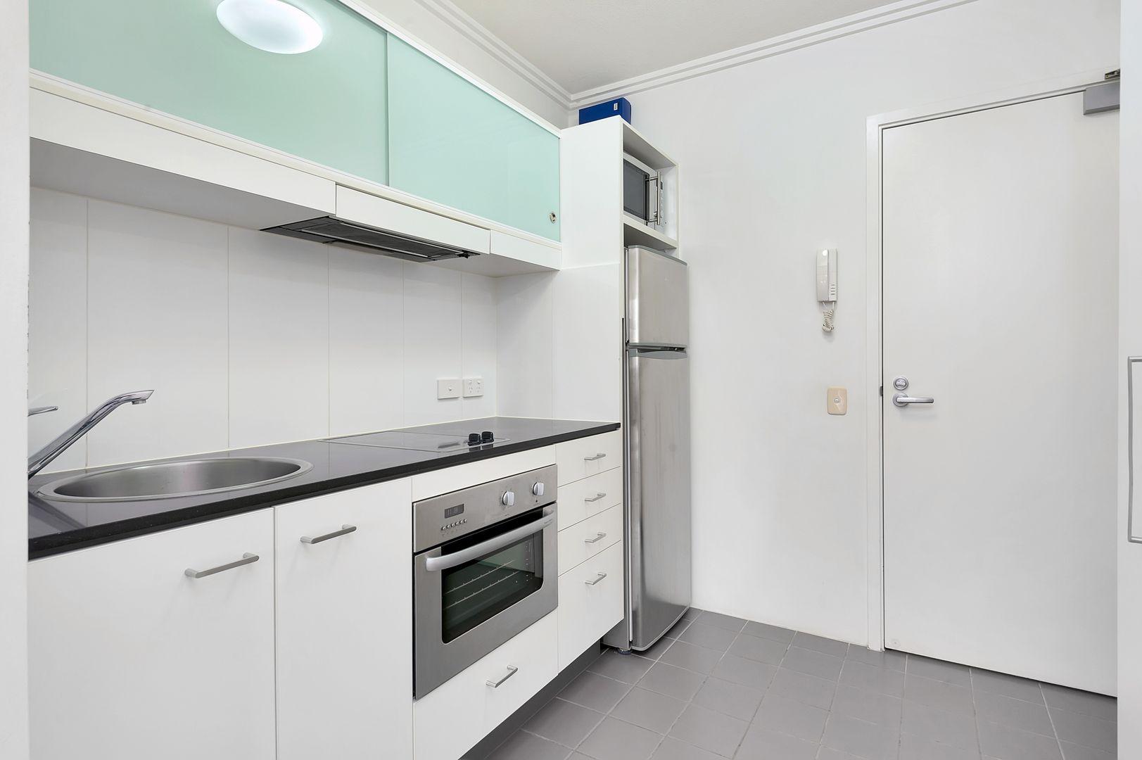 18/62 Cordelia Street, South Brisbane QLD 4101, Image 2