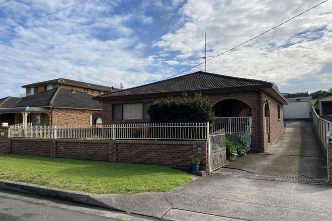 Picture of 22 Kemblawarra Road, WARRAWONG NSW 2502