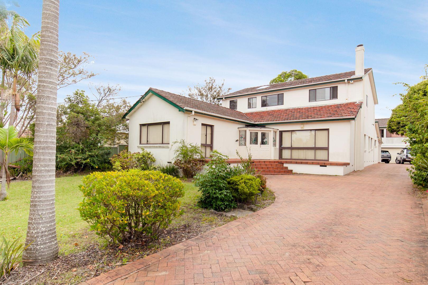 8 Tyrone Avenue, Forestville NSW 2087, Image 2