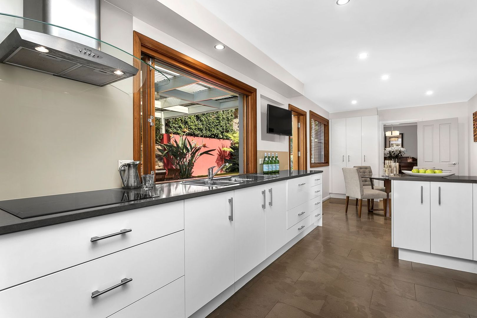 36 Auburn Street, Hunters Hill NSW 2110, Image 2