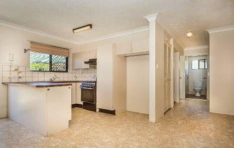 2/10 McNaughton Street, Redcliffe QLD 4020, Image 0