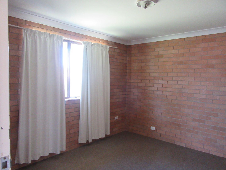 4/12 Corambara Crescent, Toormina NSW 2452, Image 2
