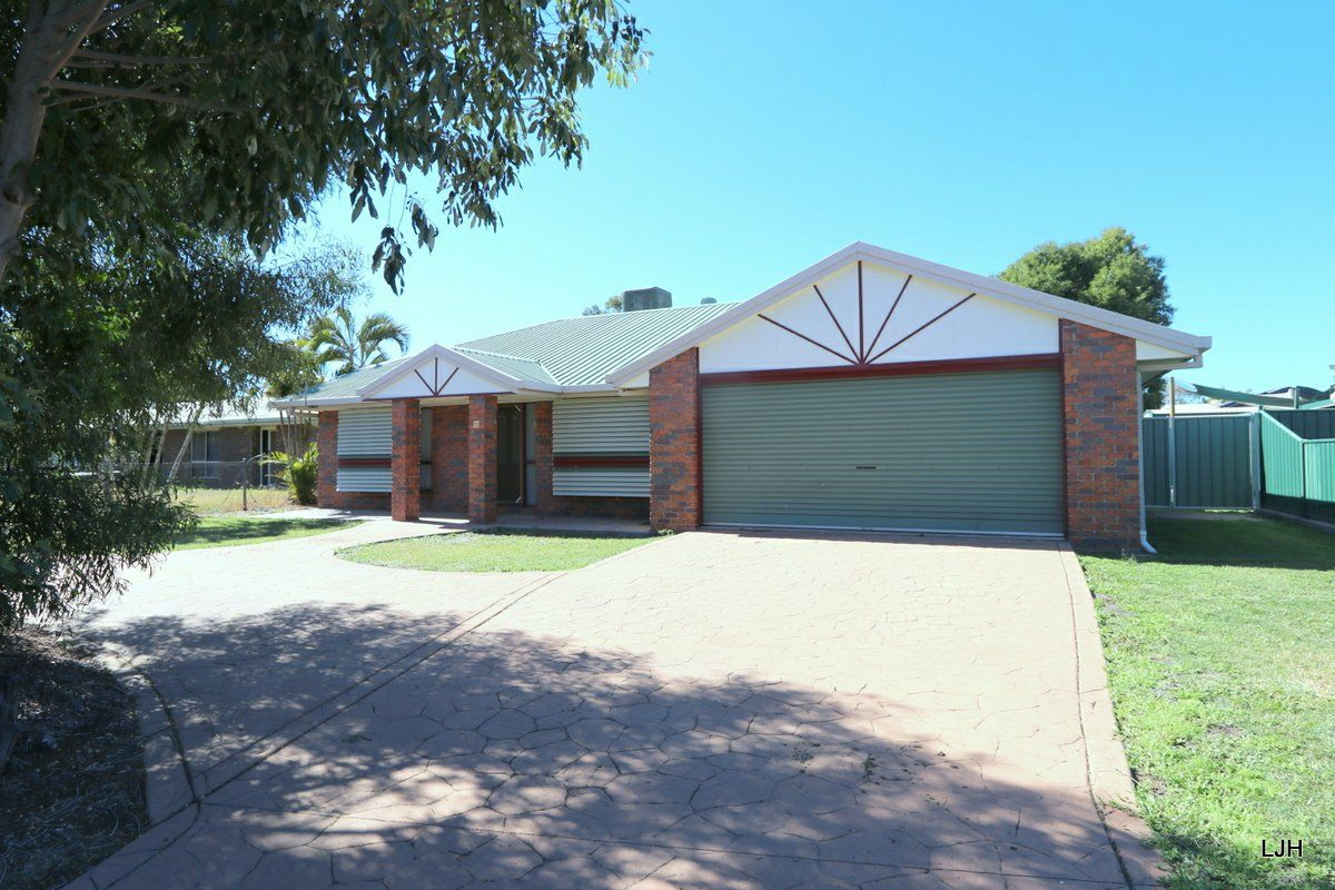 52 Staal Cr, Emerald QLD 4720, Image 2