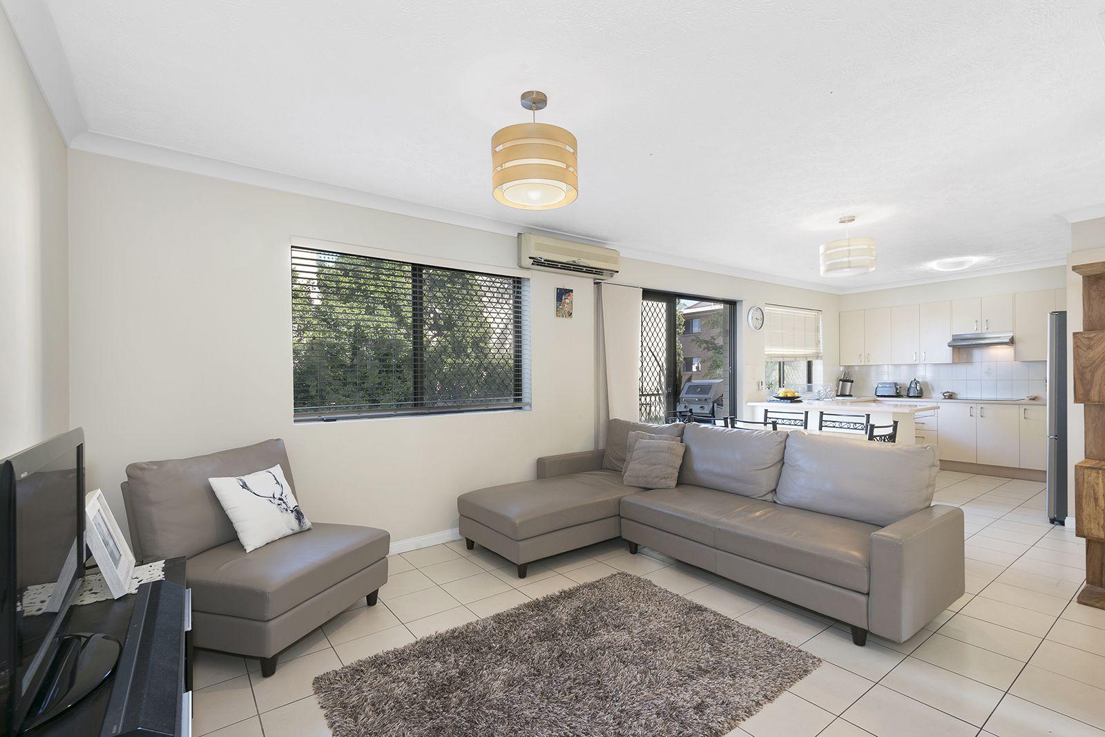2/75 Dobson Street, Ascot QLD 4007, Image 1