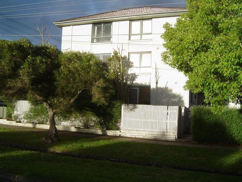 2/30 Richardson Street, Essendon VIC 3040, Image 0