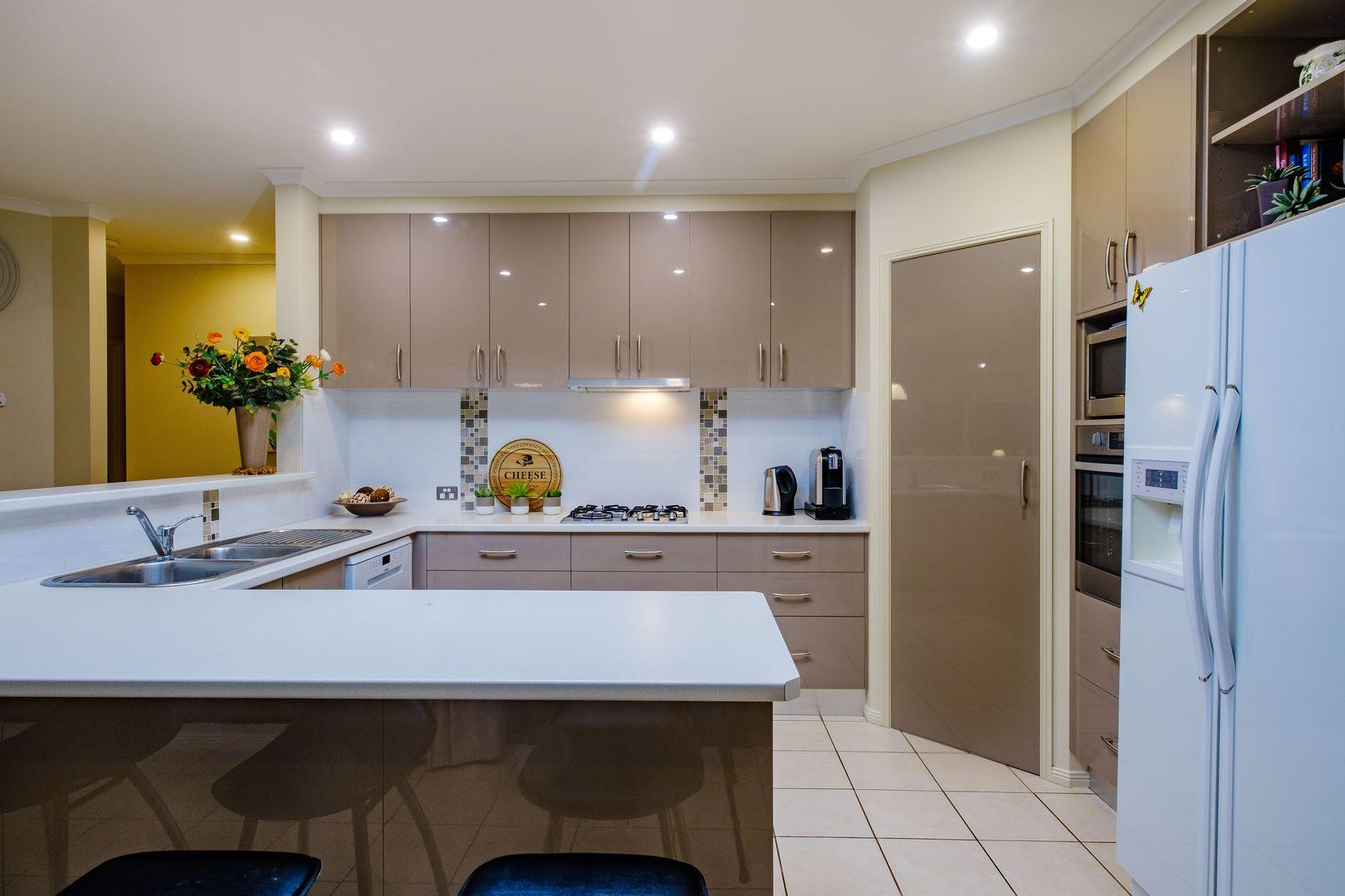 42 Jenny Wren Place, East Albury NSW 2640, Image 1