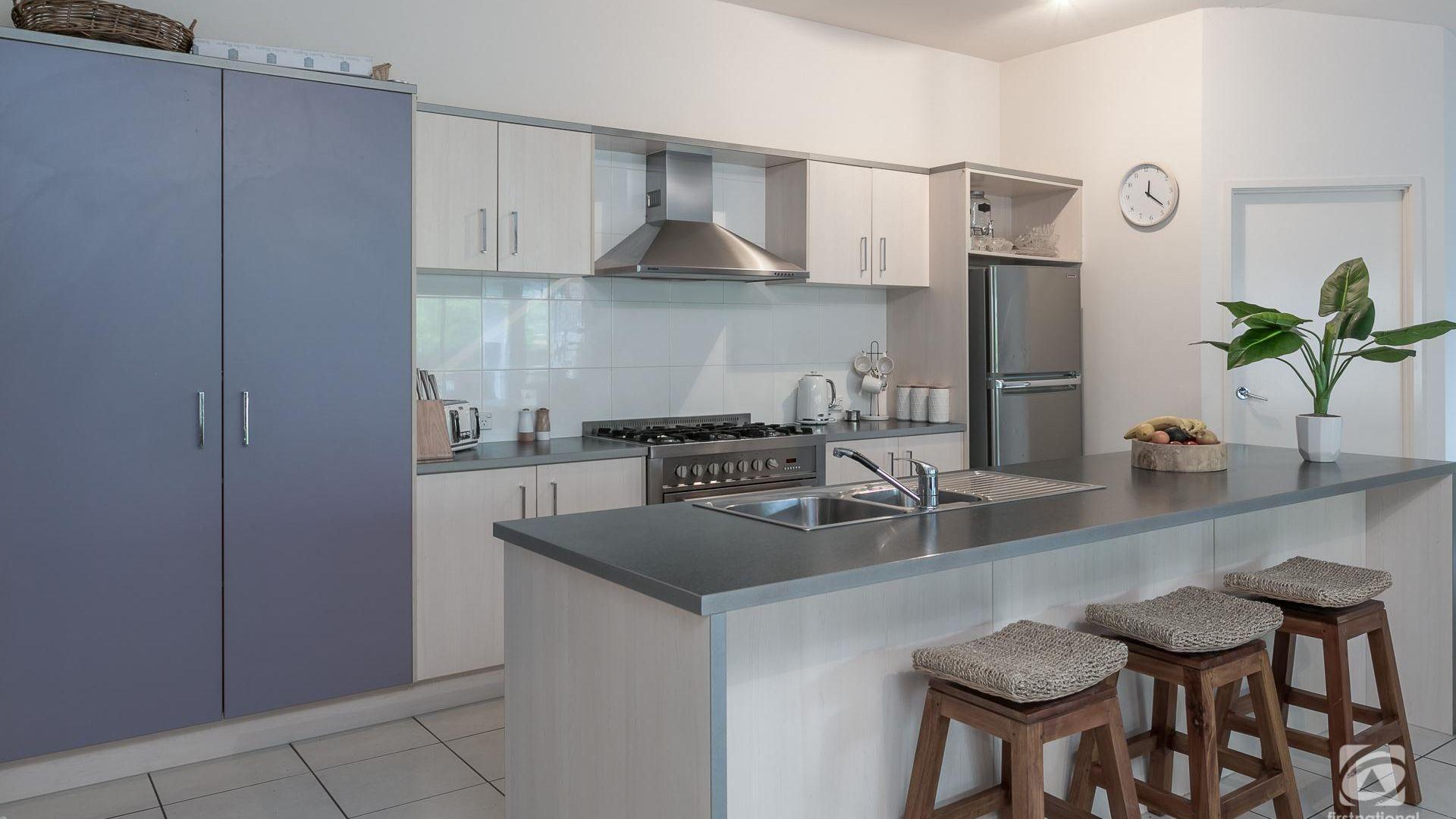 47 Ebony Crescent, Redland Bay QLD 4165, Image 2