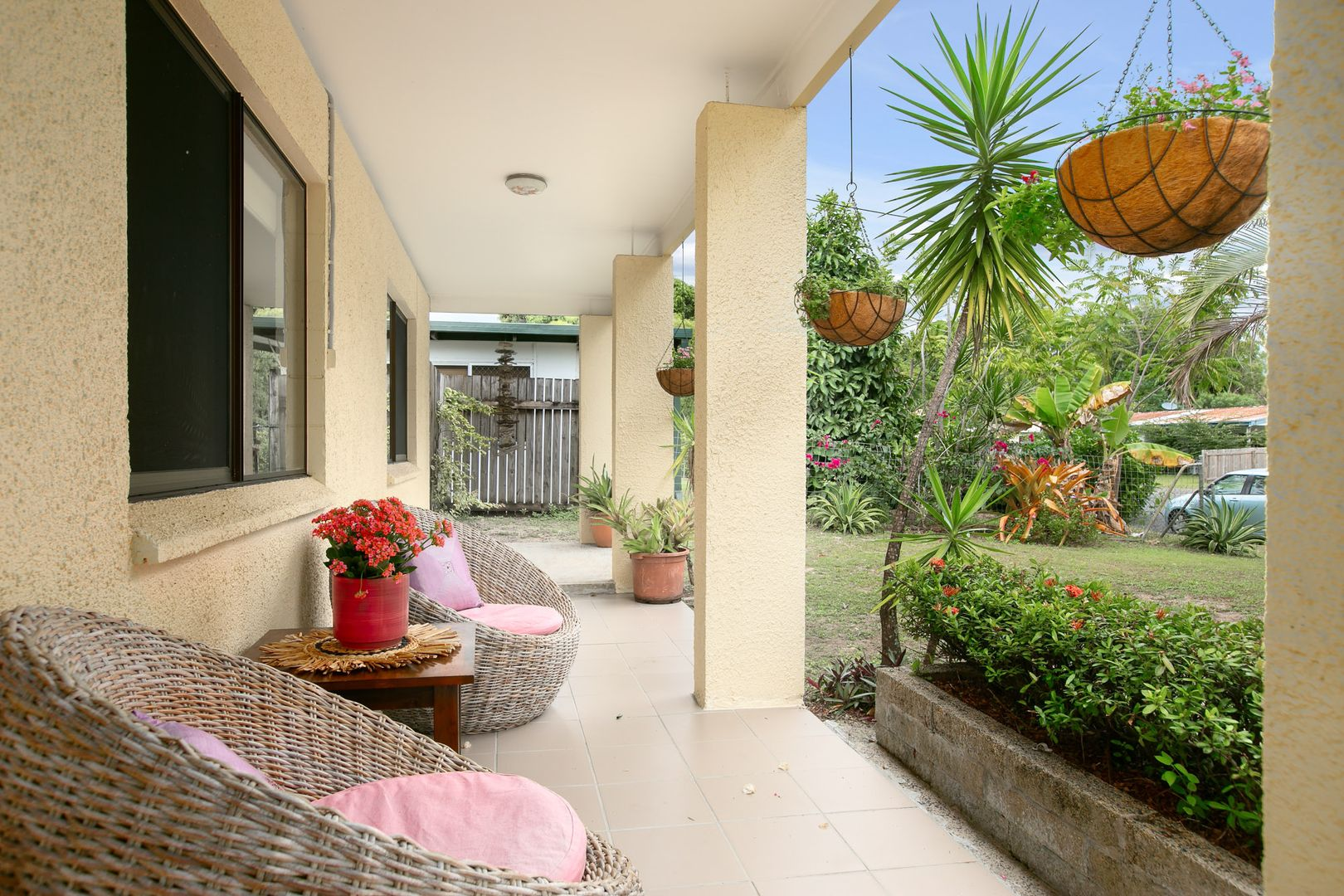 32 Oak Street, Holloways Beach QLD 4878, Image 1