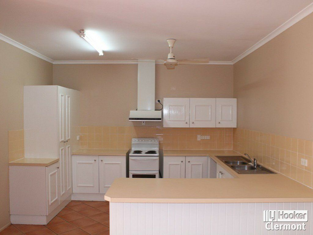 23 Athol Court, Clermont QLD 4721, Image 2
