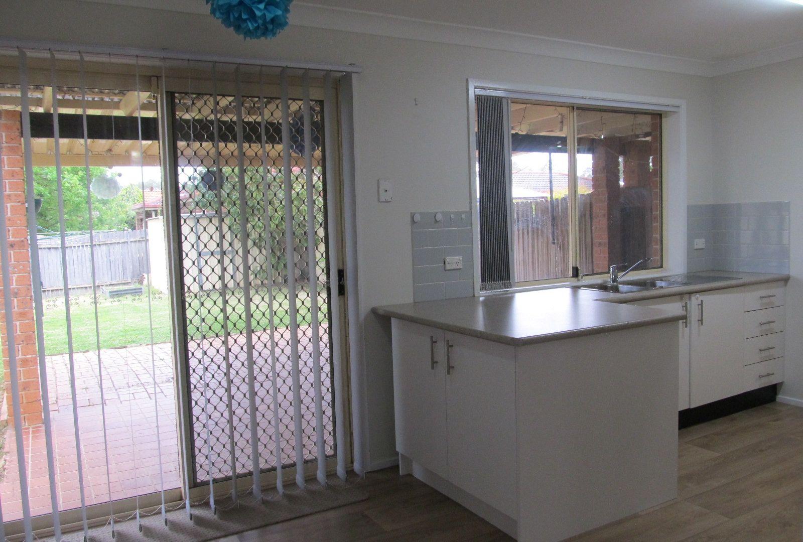 1/6 Cornellian avenue, Eagle Vale NSW 2558, Image 2