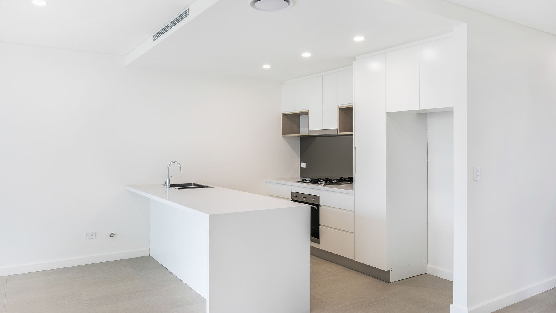 1/6 Hotham  Road, Kirrawee NSW 2232, Image 2
