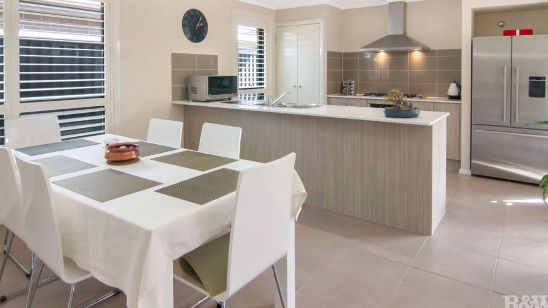 16 Baronga Street, Jordan Springs NSW 2747, Image 2