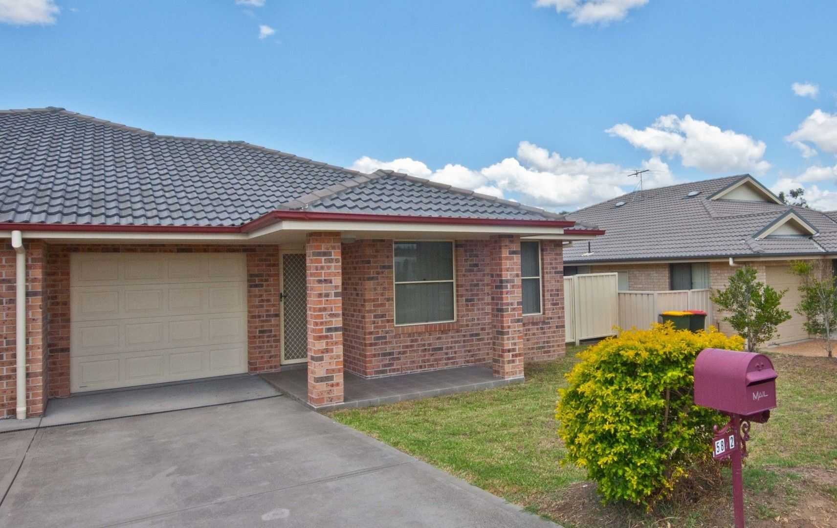 2/58 Wattleponds Road, Singleton NSW 2330, Image 0