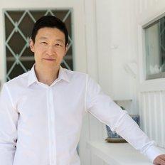 Justin Tang, Sales representative