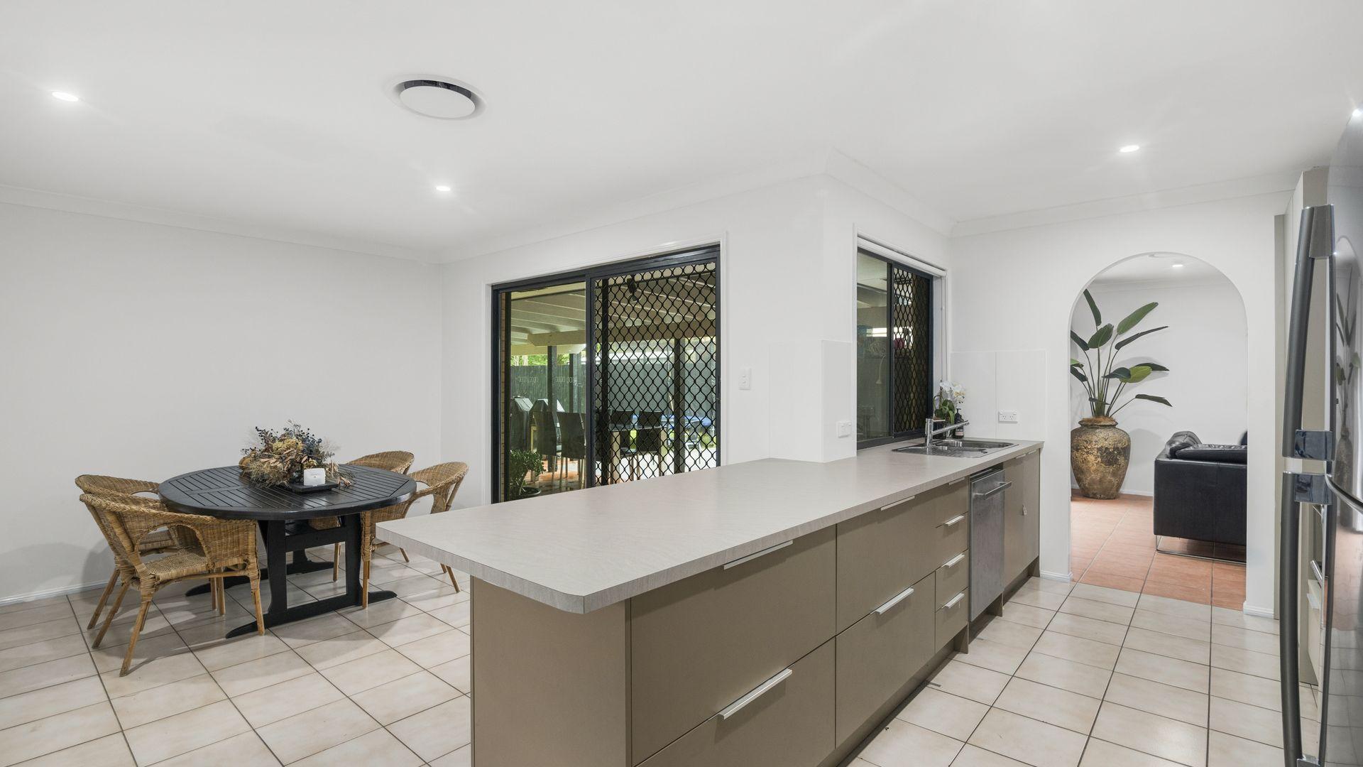 38 Togos Avenue, Currumbin Waters QLD 4223, Image 2