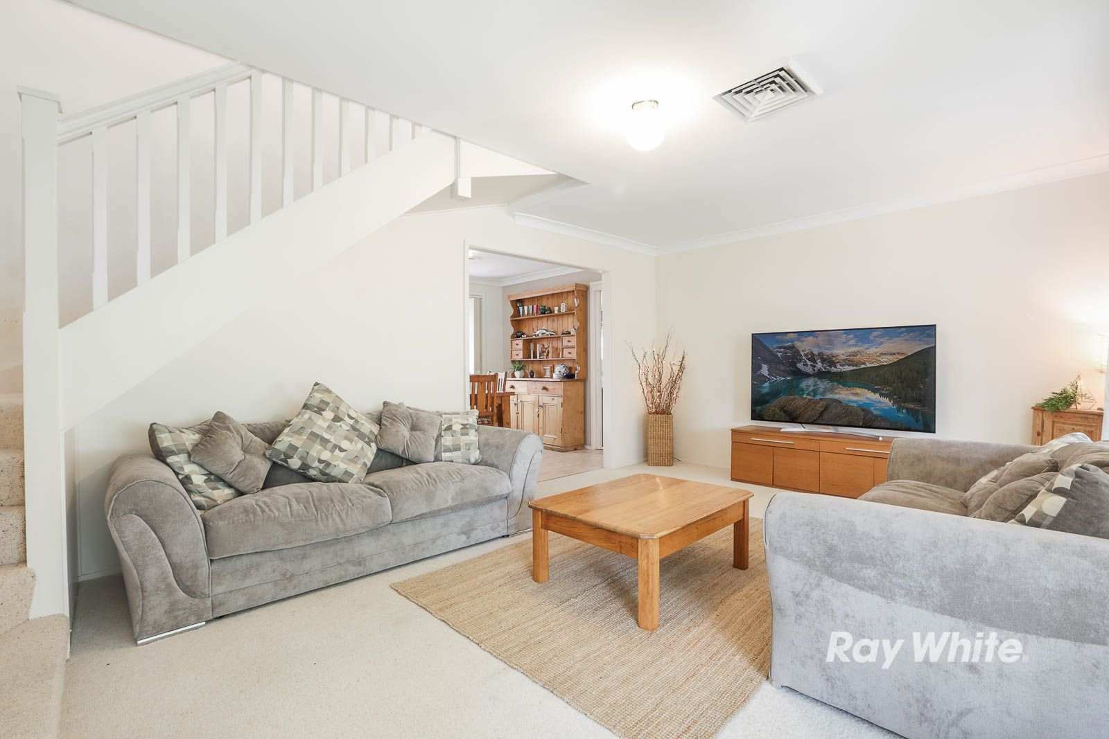8 Winchcombe Place, Castle Hill NSW 2154, Image 1