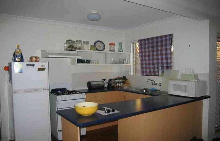 1/136 Waterton Street, Annerley QLD 4103, Image 2
