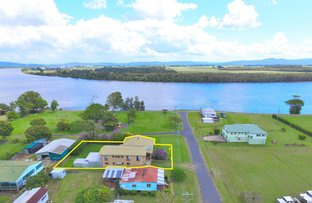 Picture of 2 Gordon Street, Palmers Island NSW 2463