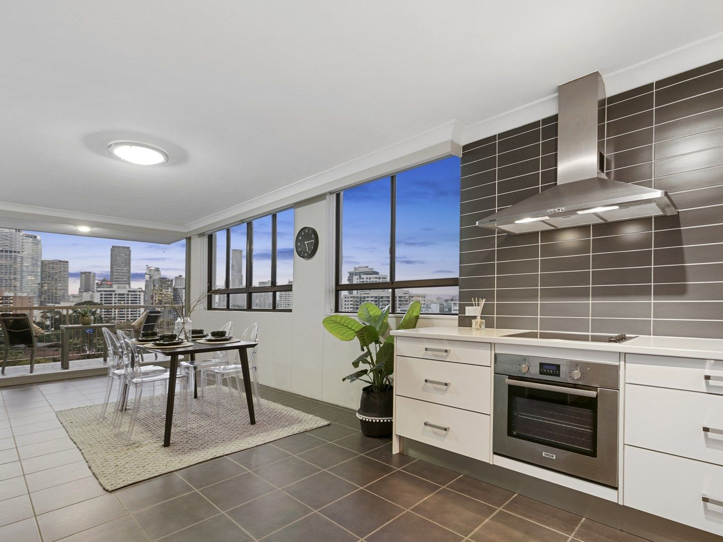 25/83 O'Connell Street, Kangaroo Point QLD 4169, Image 0
