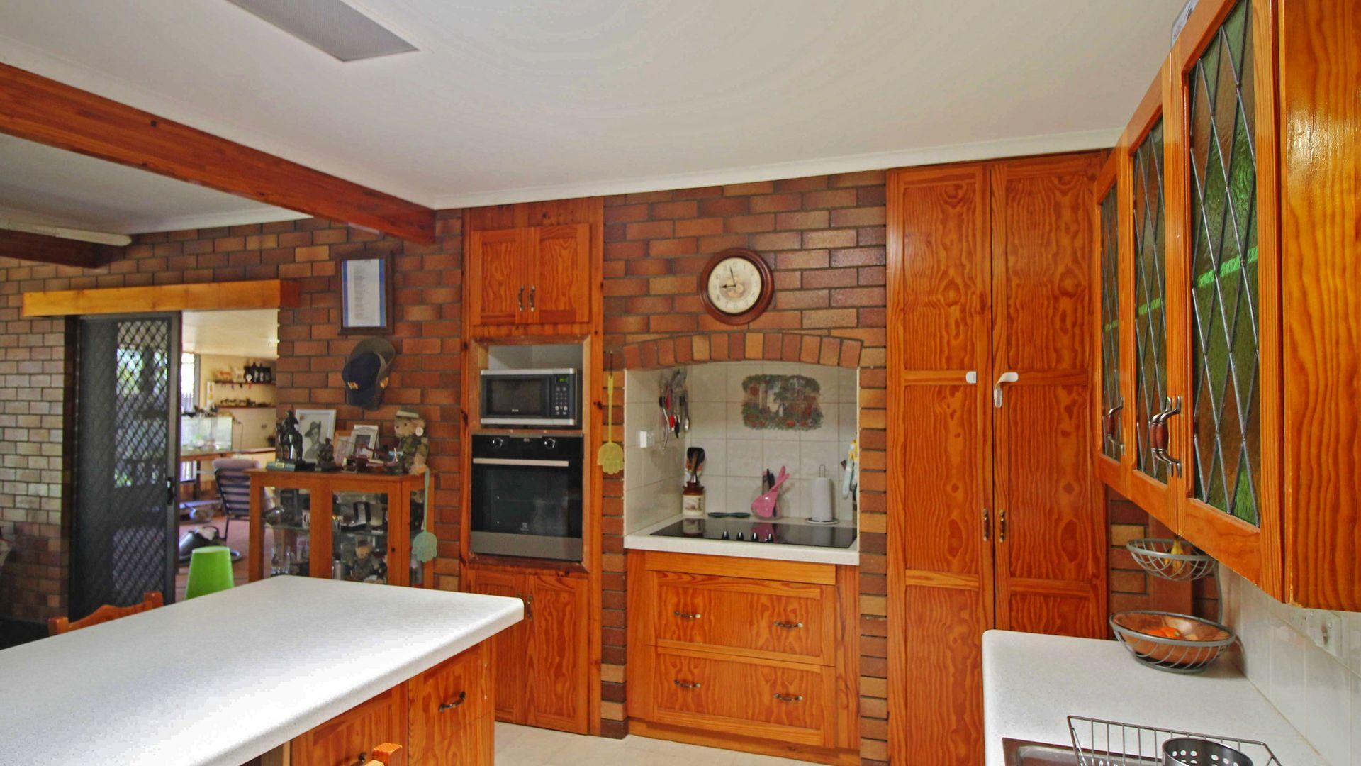 15290 Cunningham Hwy, Wheatvale QLD 4370, Image 2