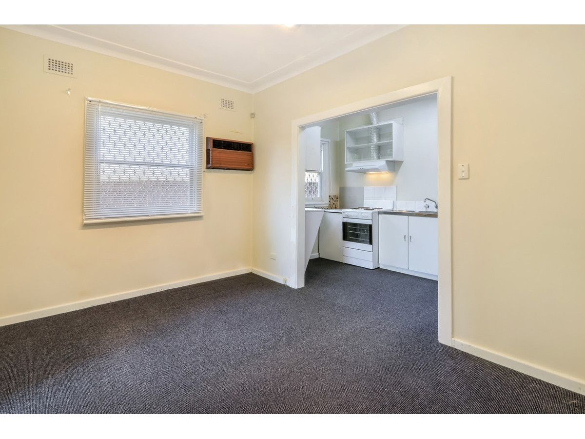21-25 Parliament Road, Macquarie Fields NSW 2564, Image 1