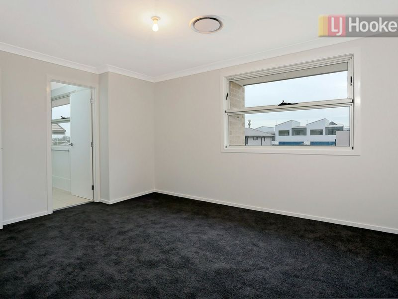 7 Agnew Close, Kellyville NSW 2155, Image 2