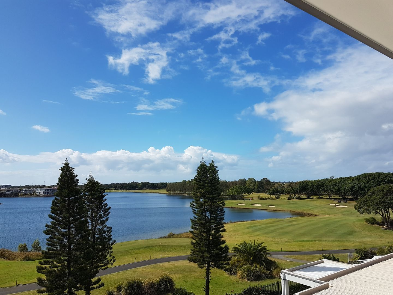 8319 Magnolia Drive East, Hope Island QLD 4212, Image 1