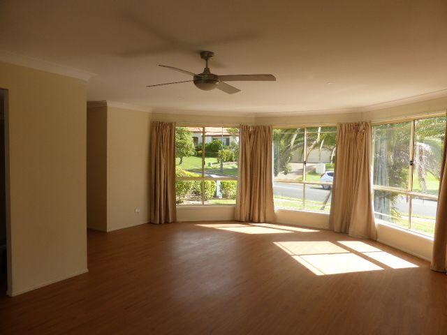 10 Glastonbury Drive, Mudgeeraba QLD 4213, Image 2
