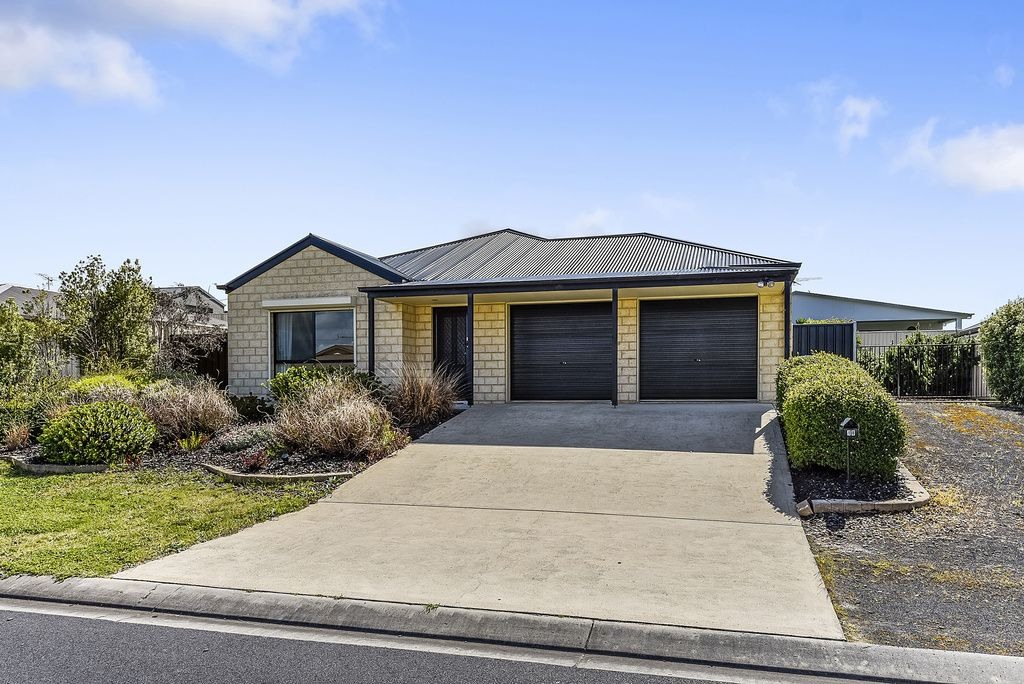 18 Mayflower Court, Mount Gambier SA 5290, Image 2