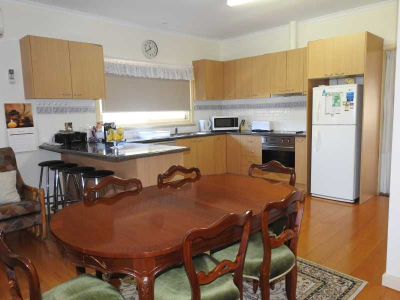 4 Tanjil Grove, Lakes Entrance VIC 3909, Image 1