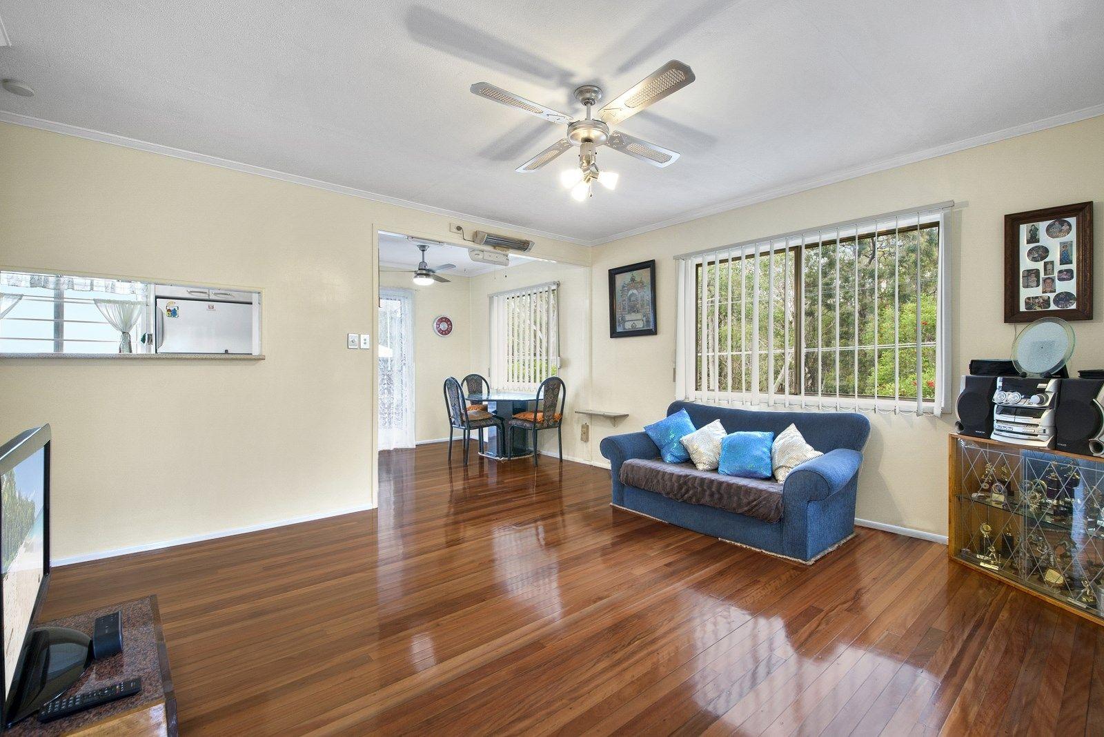 14 Agnew Street, Sandgate QLD 4017, Image 2