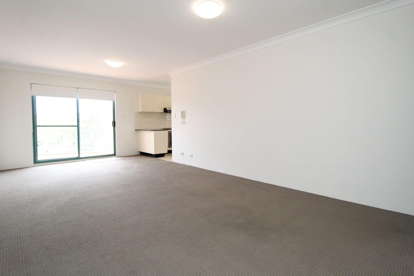 17/22-24 Sarsfield Circuit, Bexley North NSW 2207, Image 1
