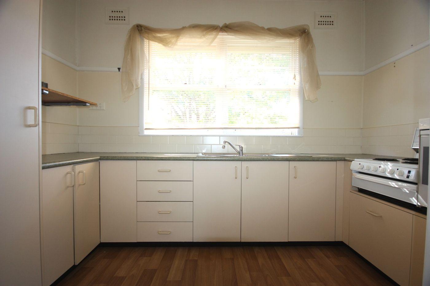 2 Lerida Avenue, Camden NSW 2570, Image 2