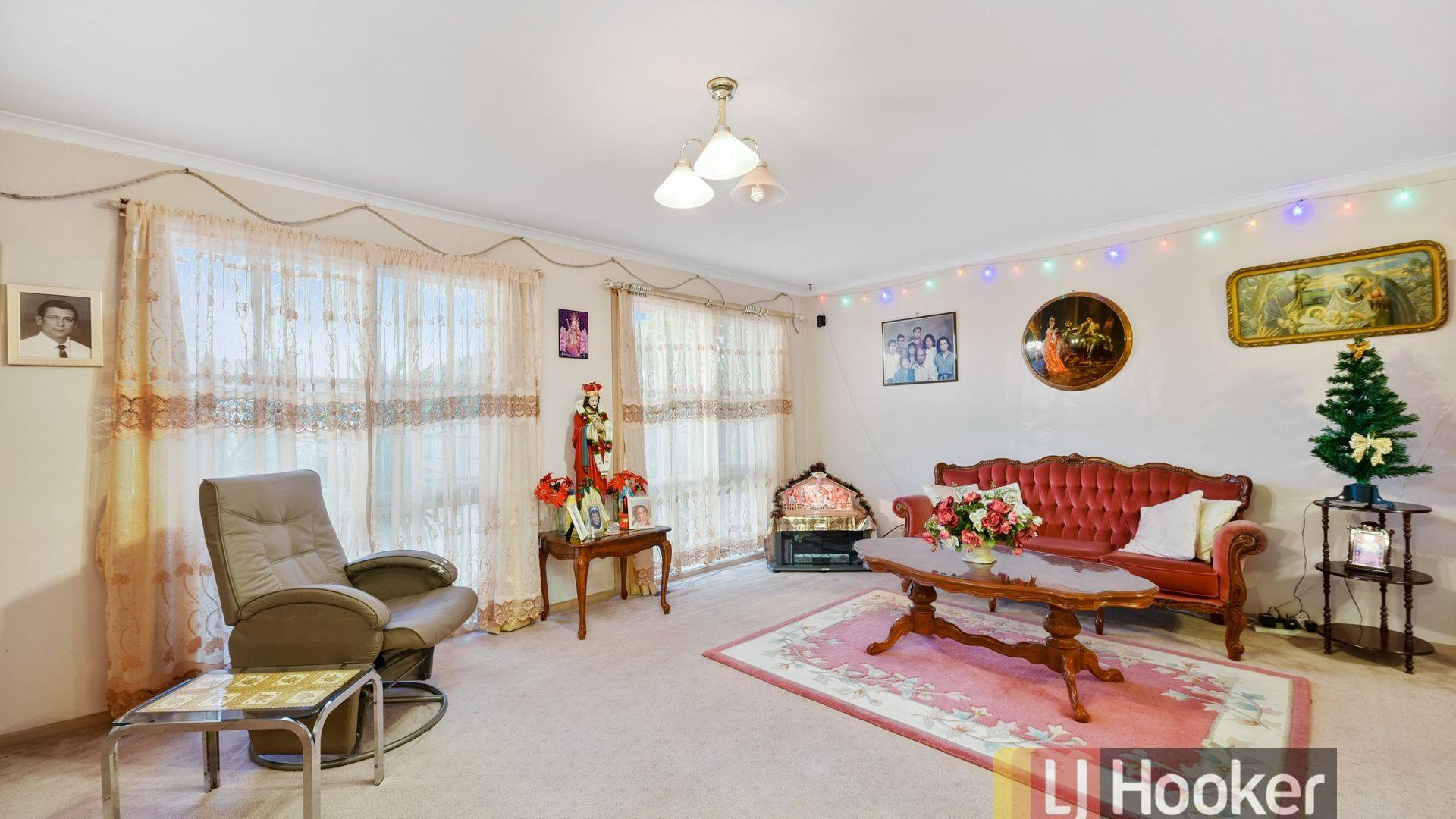 14 Robinson Crescent, Hampton Park VIC 3976, Image 2