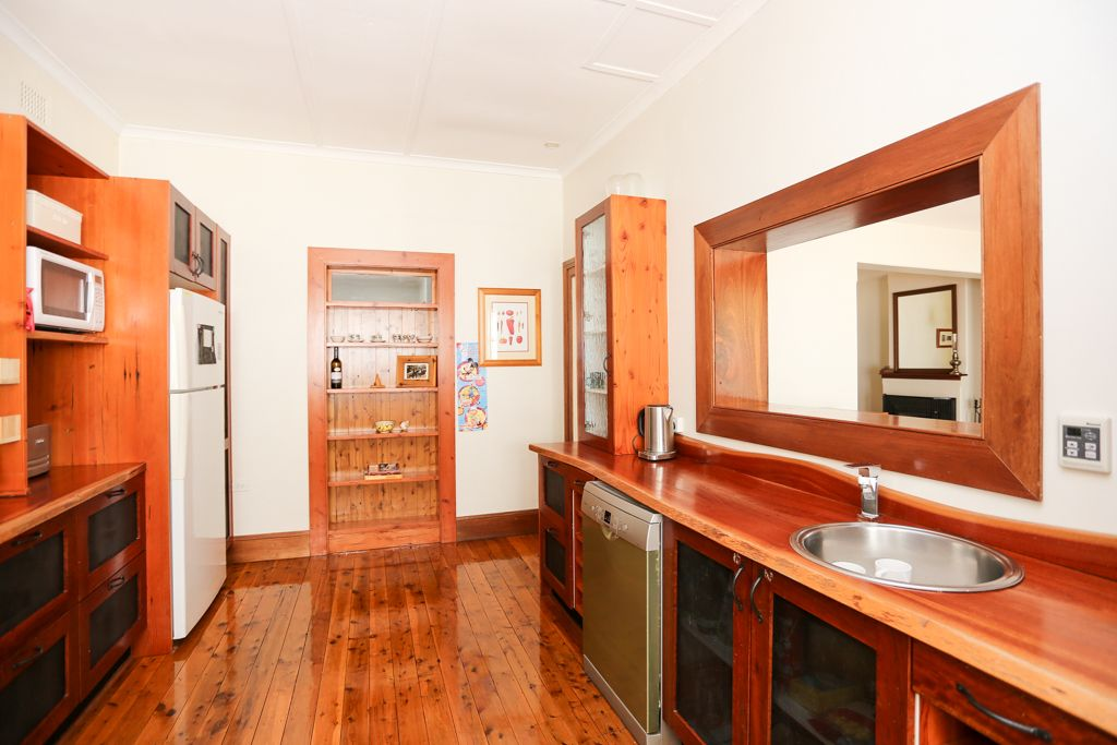 145 Russell Street, Bathurst NSW 2795, Image 2