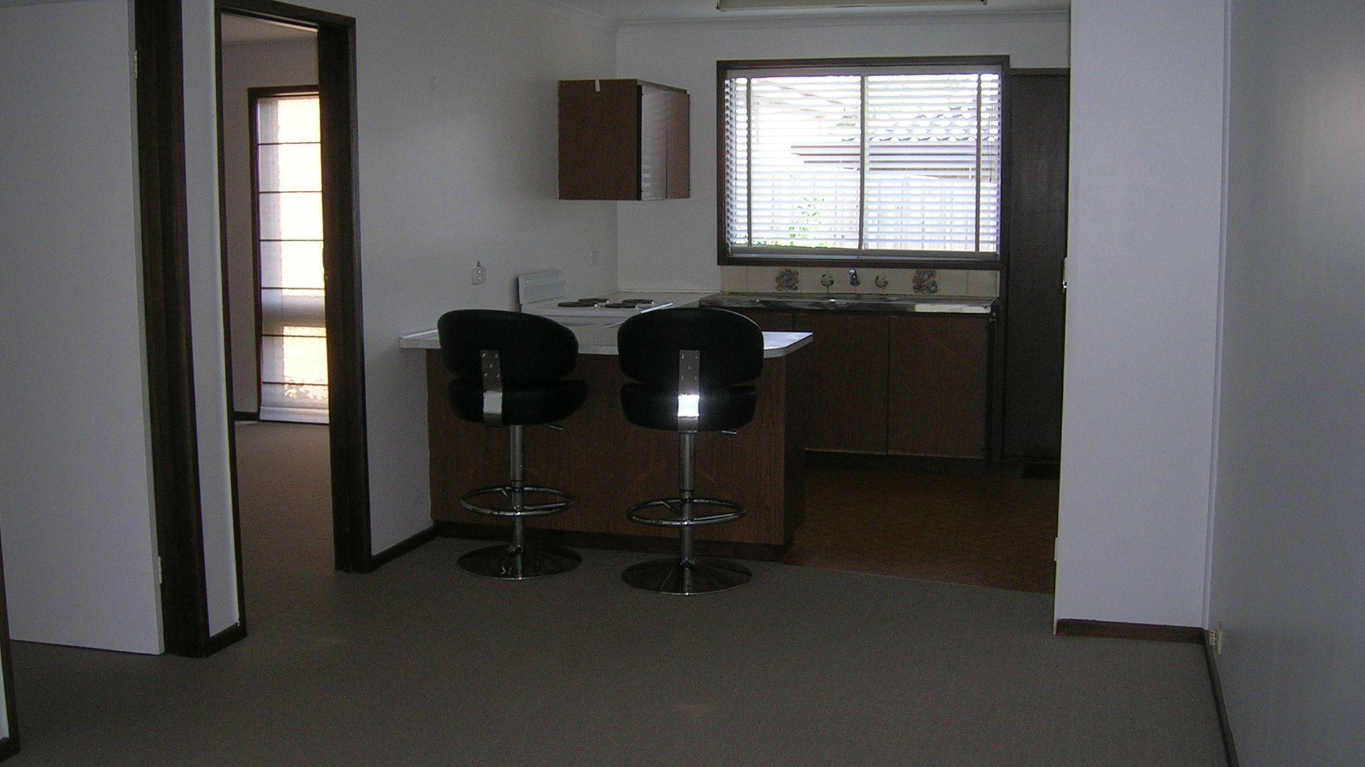2/42 Sanglen Terrace, Belmont VIC 3216, Image 2