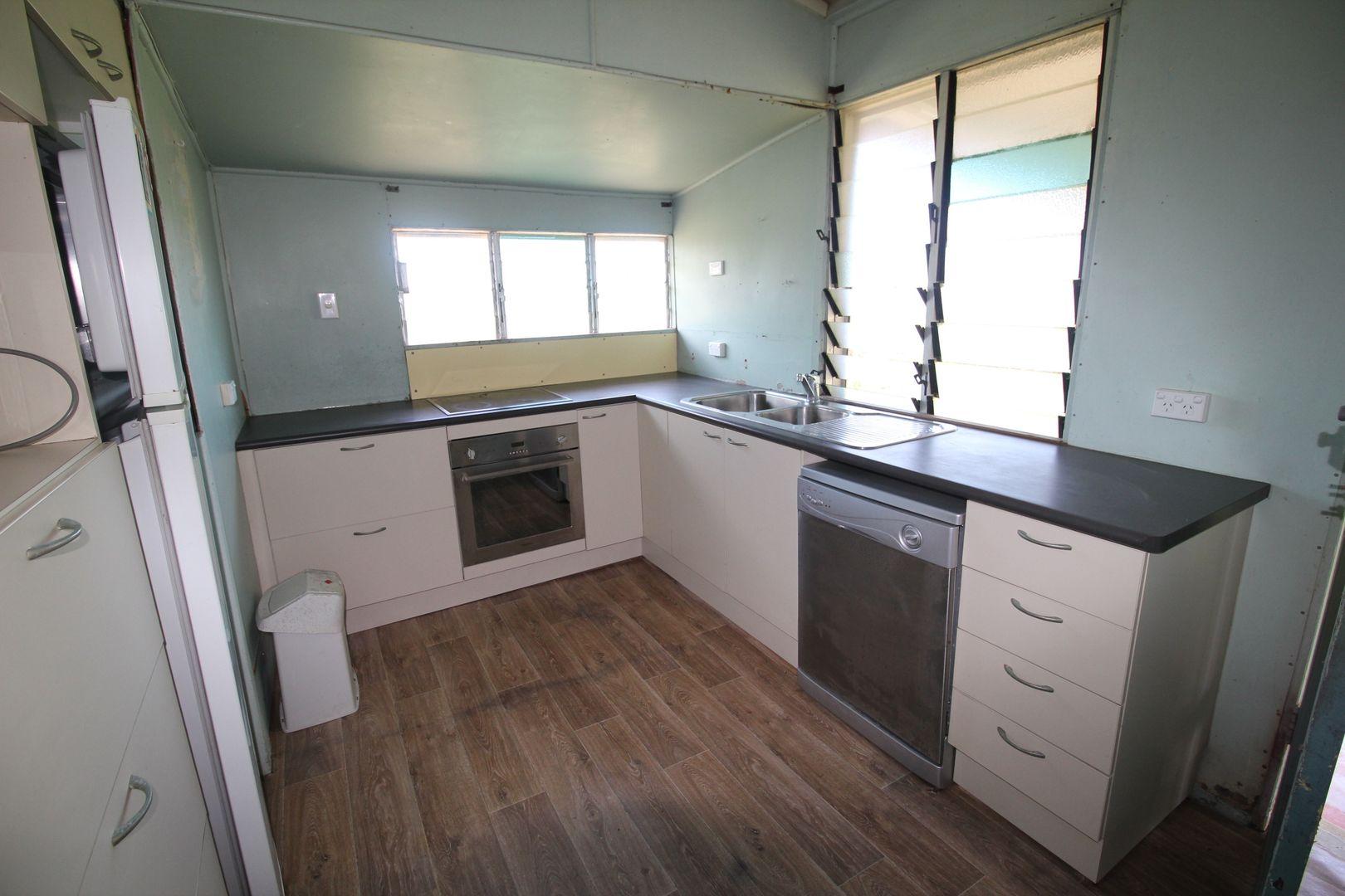 8 Fern Street, Forrest Beach QLD 4850, Image 2