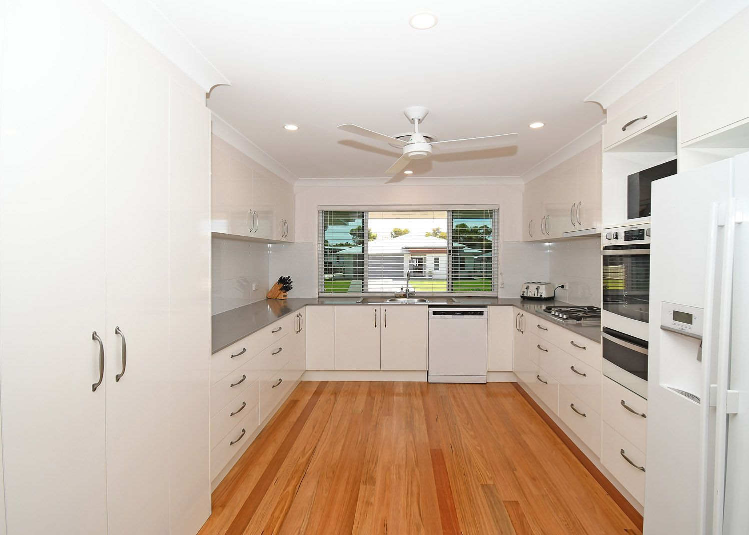 8 Tulipwood Drive, Burrum Heads QLD 4659, Image 2