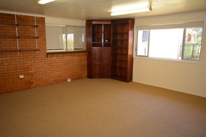 24 Mary Street, Mount Lofty QLD 4350, Image 1