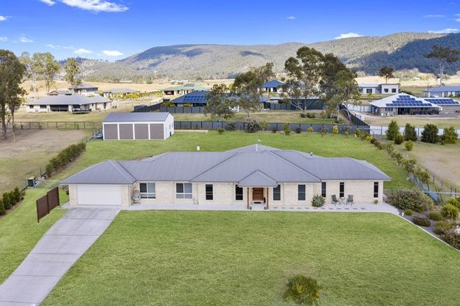 Picture of 5 Farrow Close, WOODFORD QLD 4514
