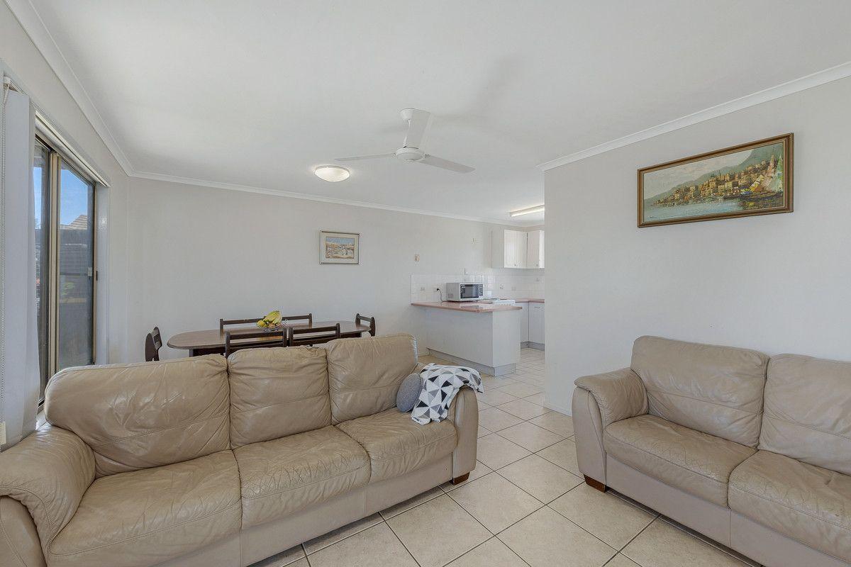 59 Kinch Street, Burnett Heads QLD 4670, Image 2