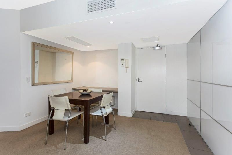 2208/40 Merivale St, South Brisbane QLD 4101, Image 2