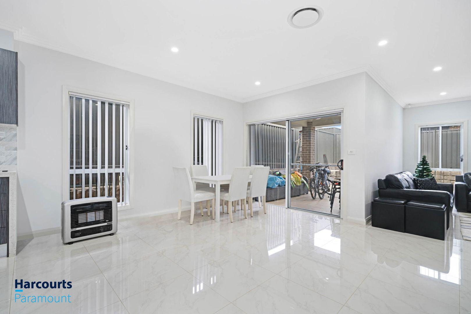 18 Akuna Street, Gregory Hills NSW 2557, Image 2