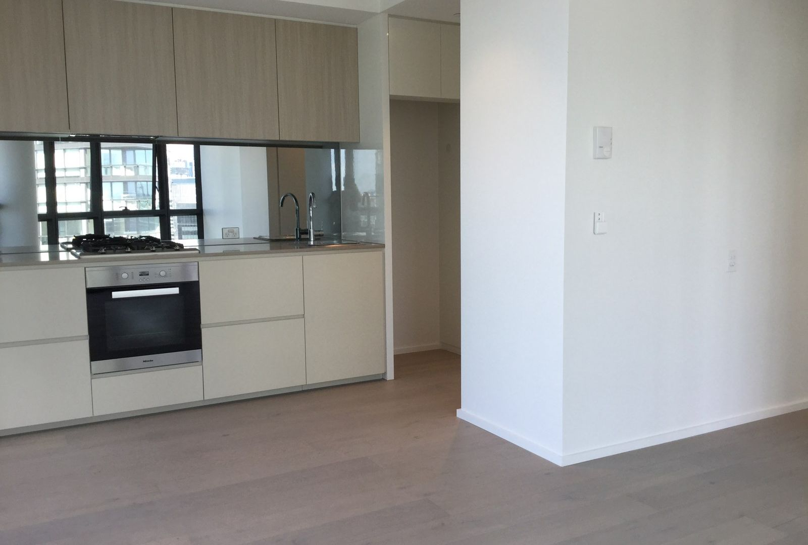 2004N/889 Collins, Docklands VIC 3008, Image 2